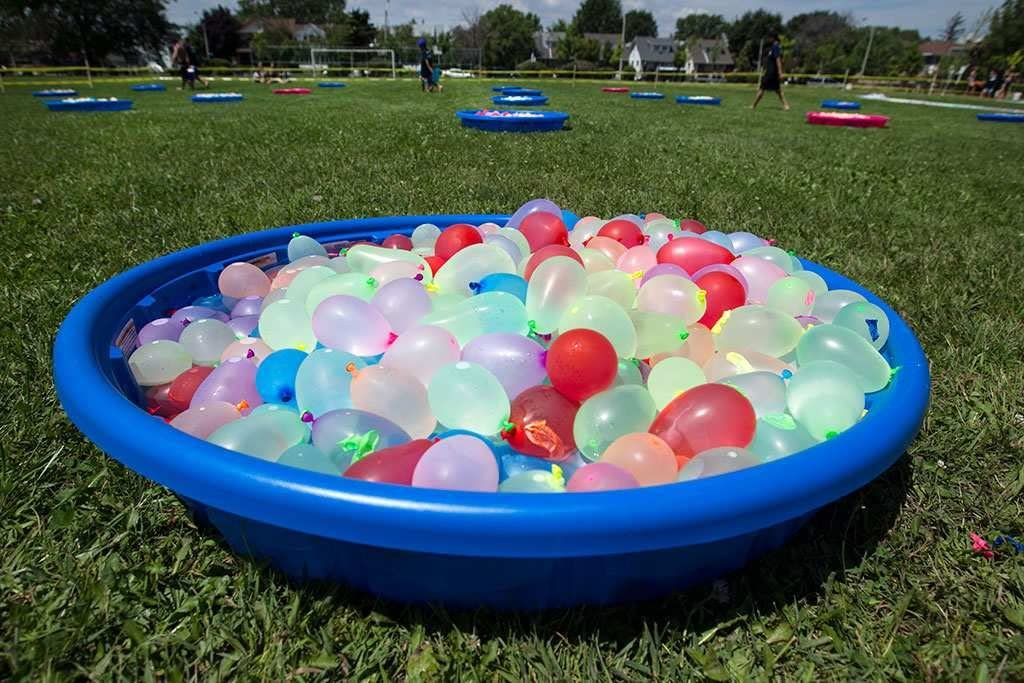 Summer Splash Fun for Kids and Adults KOMIWOO 1000 Pack Water Balloons with Refill Kits Latex Water Bomb Fight Games