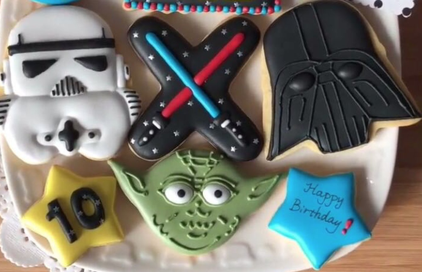 Star Wars Cookie Cutter set with Matching Stencils - American Confections - Yoda, Storm Trooper, Darth Vader - Set of 3