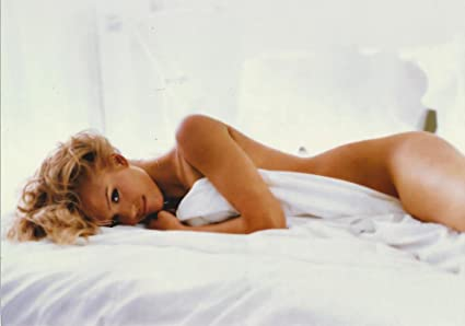 Jessica Alba Nude In Bed
