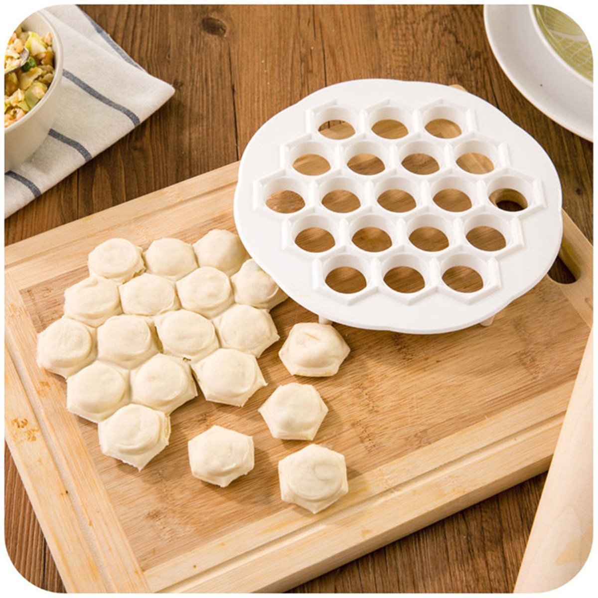 Affe 21x 2cm DIY Plastic Dumpling Mold Maker Dough Press Dumpling 19 Holes Dumplings Maker Mold ZGJ