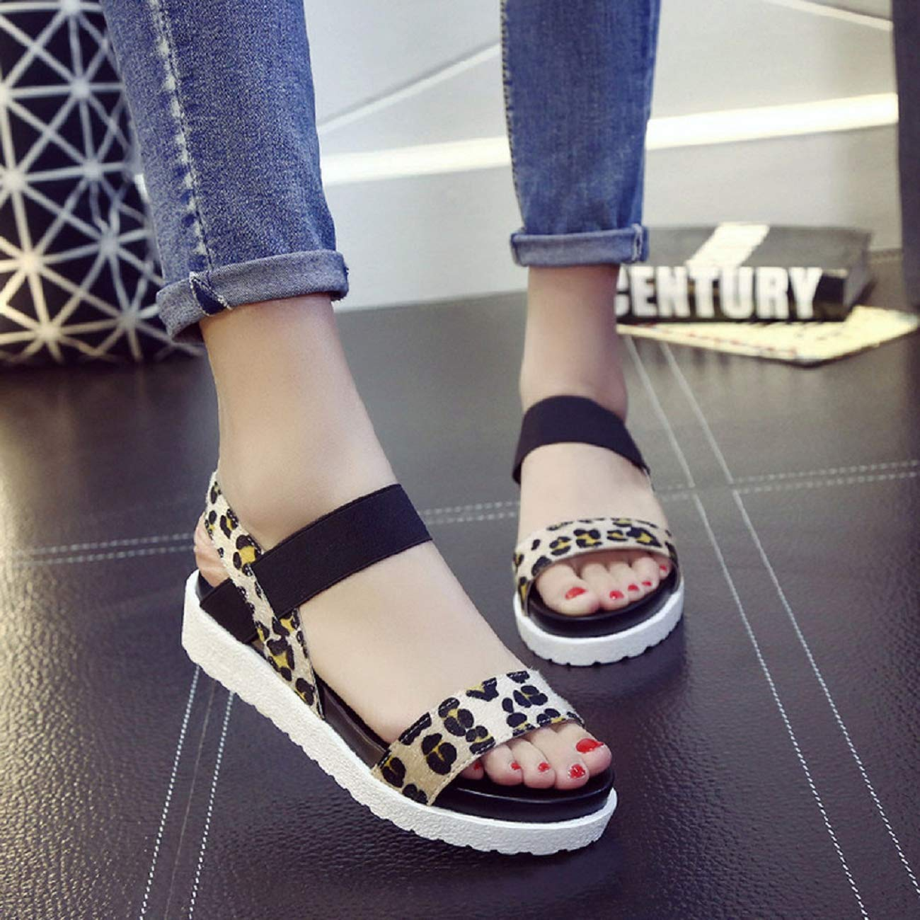 Comfortble Flats Shoes Women Wedges for Girls SYHKS Fashion Sandals Women Aged Leather Flat Sandals Ladies Shoes