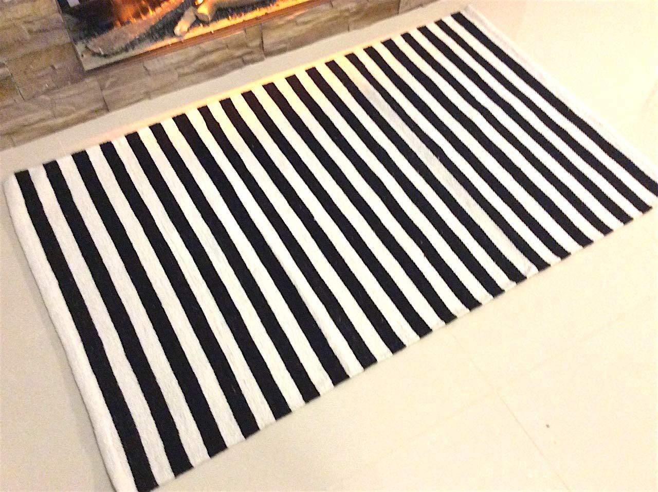 Medium 9 Black /& White Eco friendly a righe bianco e nero a mano in cotone naturale commercio equo e solidale reversibile e lavabile in lavatrice con frange tessuto piano tappeto passatoia kilim Dhurrie tappeto tappetino 60/x 90/cm 100/% Cotone
