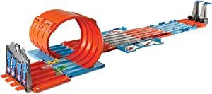 Hot Wheels Race Crate with 3 Stunts in 1 Set Portable Easy Storage Ages 6 to 10