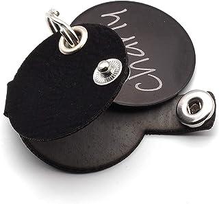 Hundemarkentasche mit Druckknopf | gefertigt aus Kunstleder | mit beidseitig gravierter Hunde-Marke | Durchmesser ca. Ø30mm
