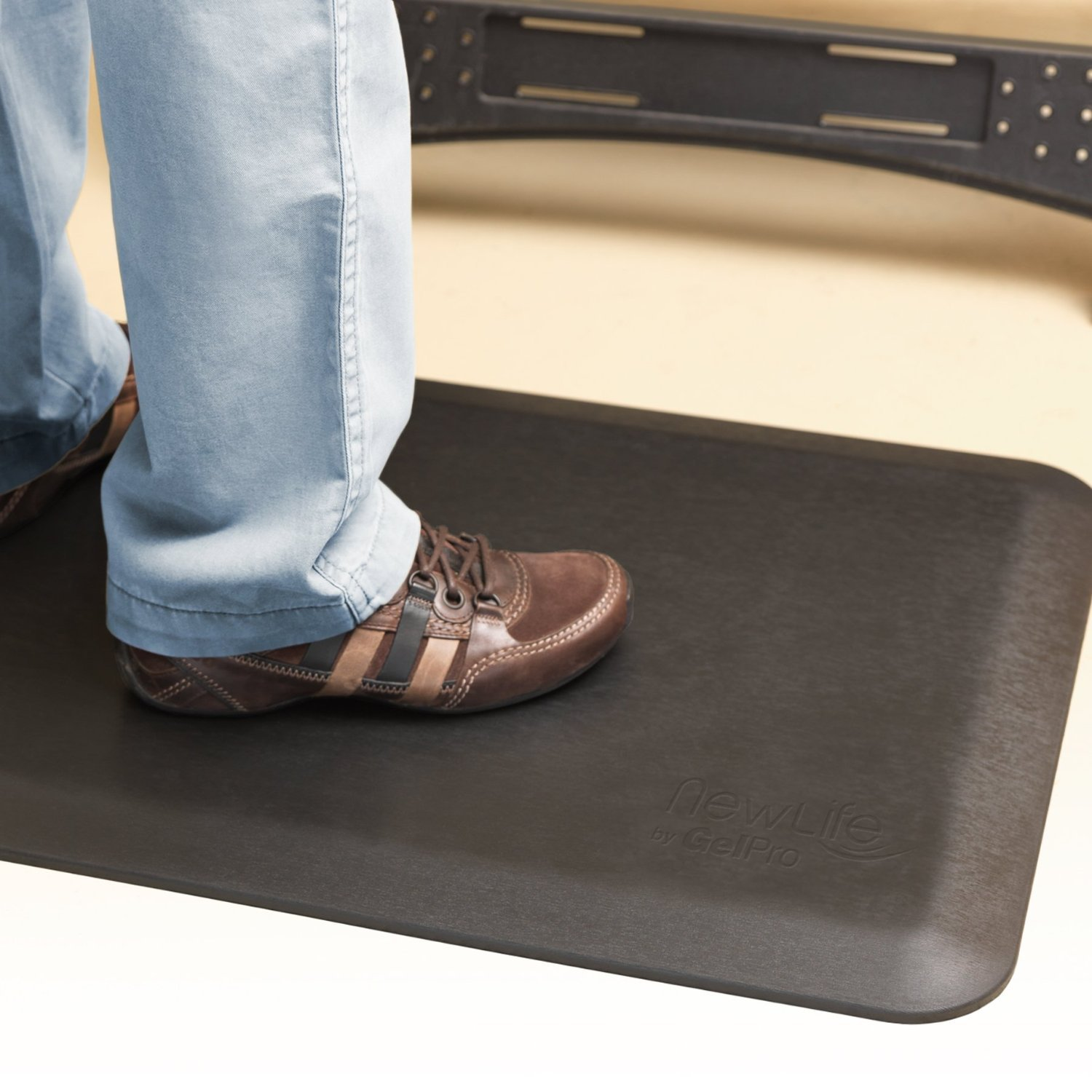 "NewLife by GelPro Anti Fatigue Mat: Eco-Pro Foam Anti-Fatigue Comfort Mat - Standing Desk Pad - Professional Floor Mats for Commercial & Industrial Work - 20"" x 32"" Non Slip Ergonomic Mat - Black by NewLife by GelPro (Image #2)"