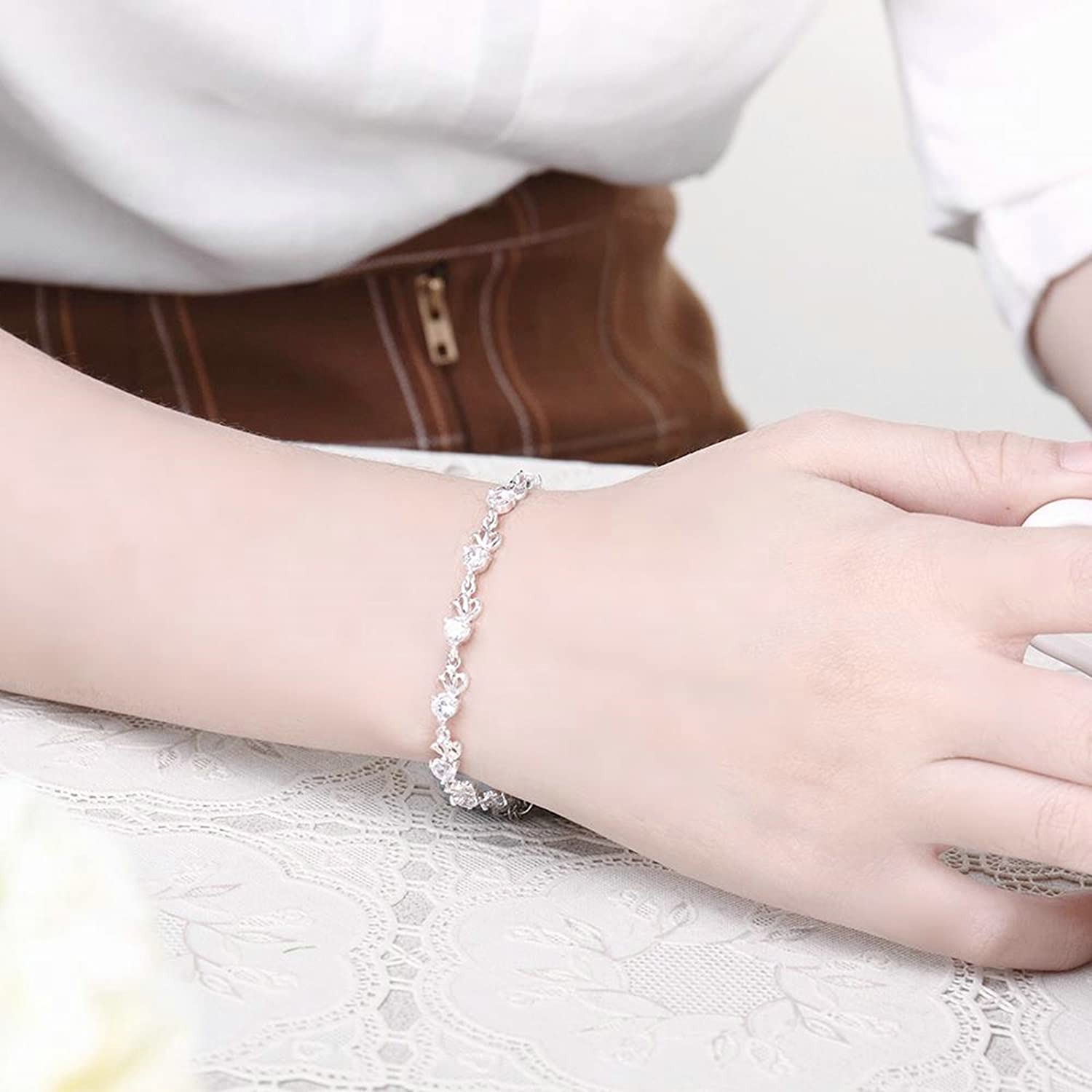 Aokarry Jewelry Silver Plated Silver Crystal Link Bracelet Bangle for Women Brides Girls On Wedding Anniversary