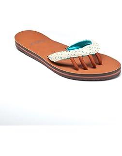23cae709475b Amazon.com  toesox Women s Mazzy Five Toe Leather Sandal (Black ...