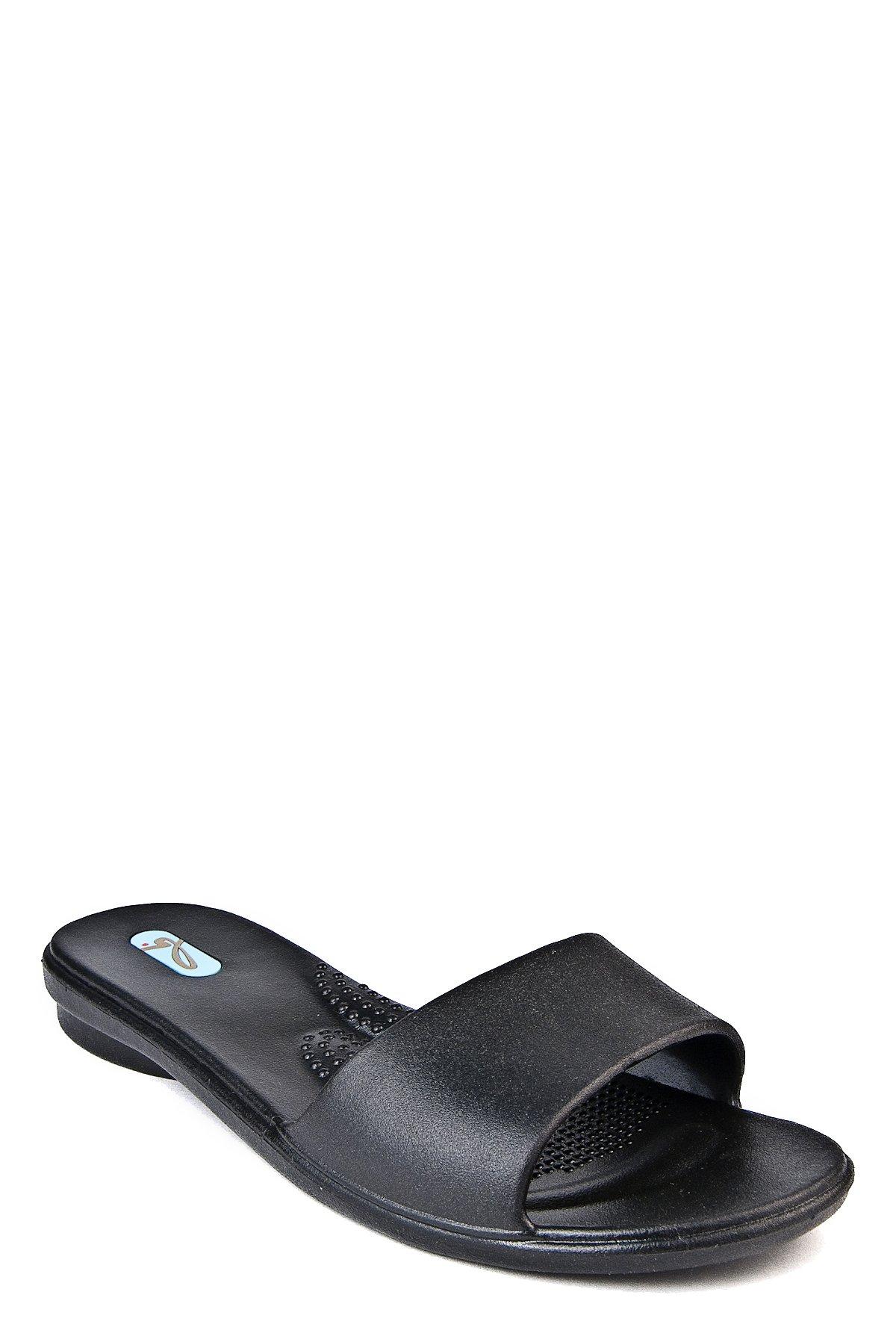 Oka-B Grace Slip On Sandal (M (7-8), Licorice)