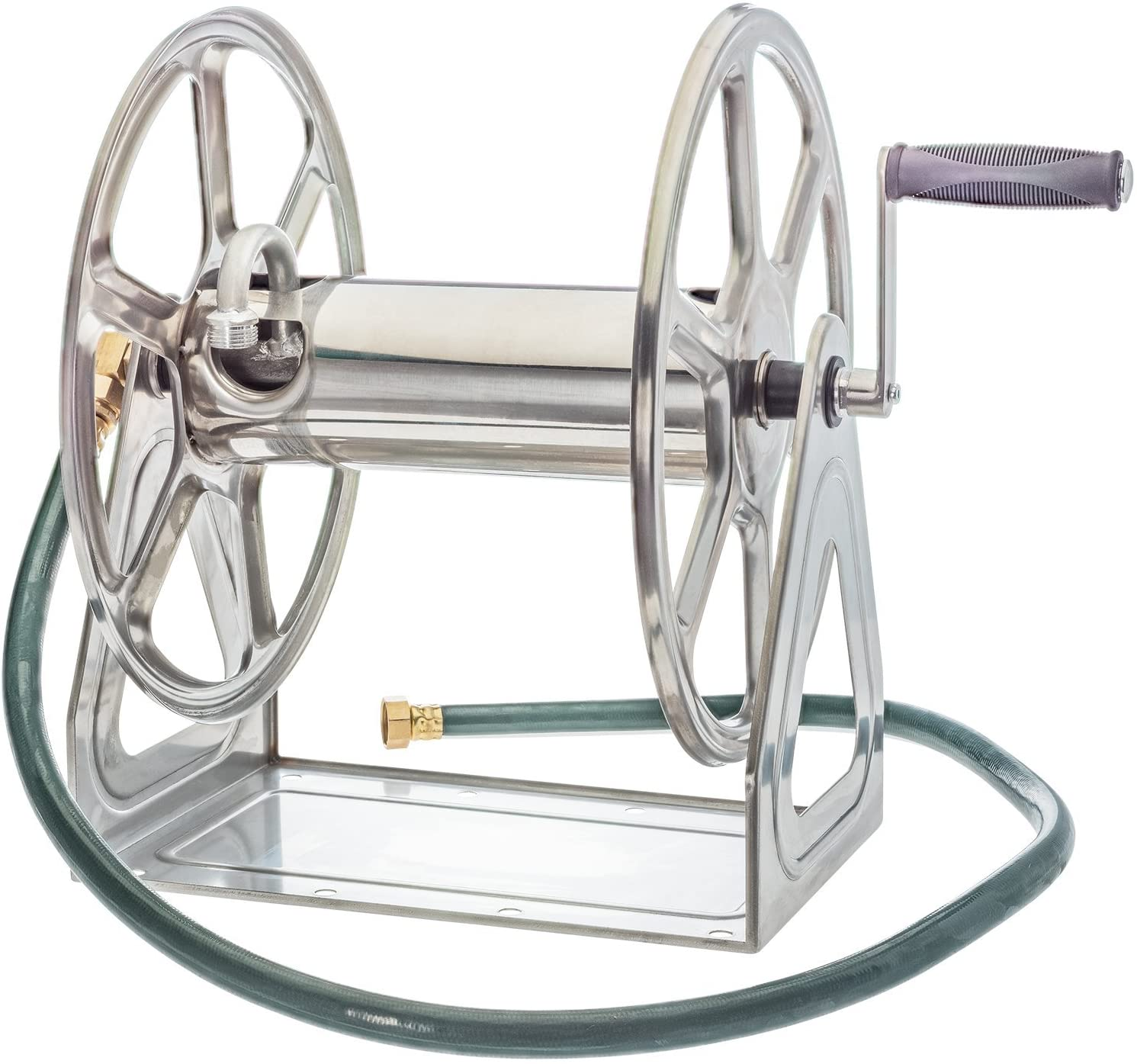 How to roll a garden hose in a manual reel