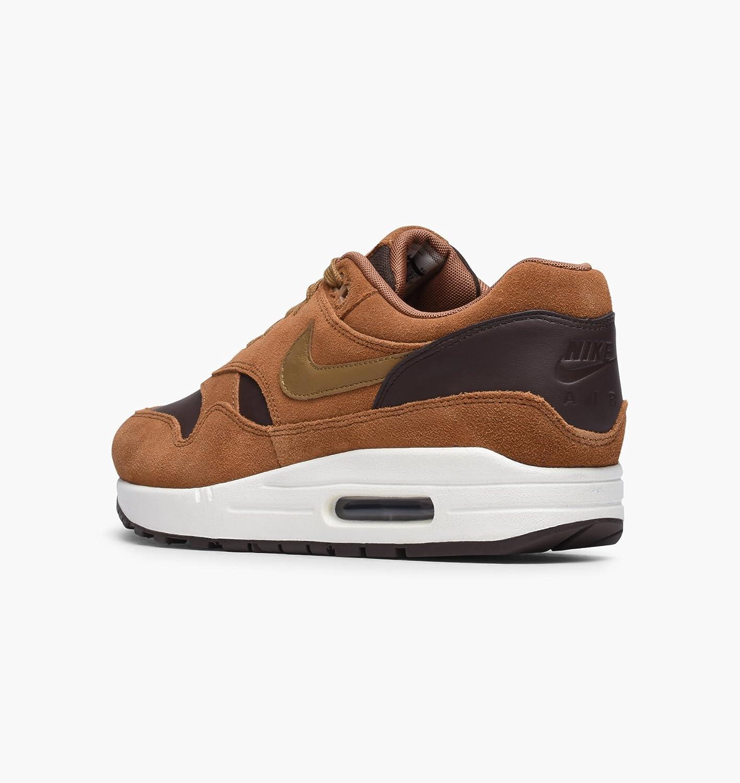 premium selection 5f692 3625c Nike Mens Air Max 1 Premium LTR Ale Brown Trainers Size 10.5 UK   Amazon.co.uk  Shoes   Bags