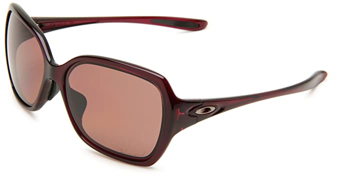 a35485dbb9d Amazon.com  Oakley Womens Overtime OO9210-05 Polarized Round Sunglasses