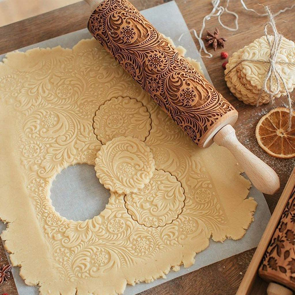 Embossed Wooden Rolling Pin, Natural Wood Carved Engraved Rolling Pin with Christmas Snowflake Flower Pattern for Baking Embossed Cookies, Cute Kitchen Tool for Kids and Adults