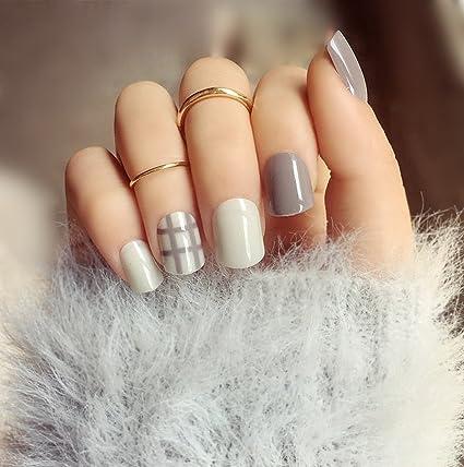 Aukmla uñas postizas cortas, Set de 24, de rayas beige y gris, cubre