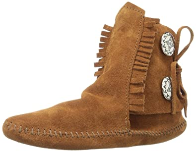 Minnetonka Women s Two Button Ankle Boots e625998ad1