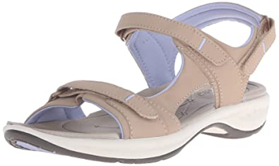 03edfe76fa45 Easy Spirit Women s EGNITA Flat Sandal Natural 6 ...
