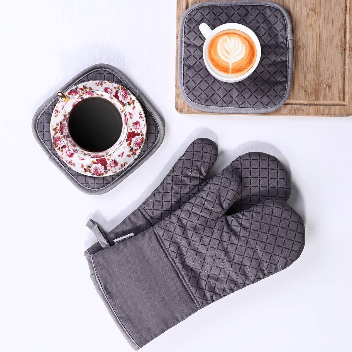 Heat Resistant Oven Mitts and Pot Holders, Soft Cotton Lining with Non-Slip Surface for Safe Baking Grilling, 4PCS (Grey)