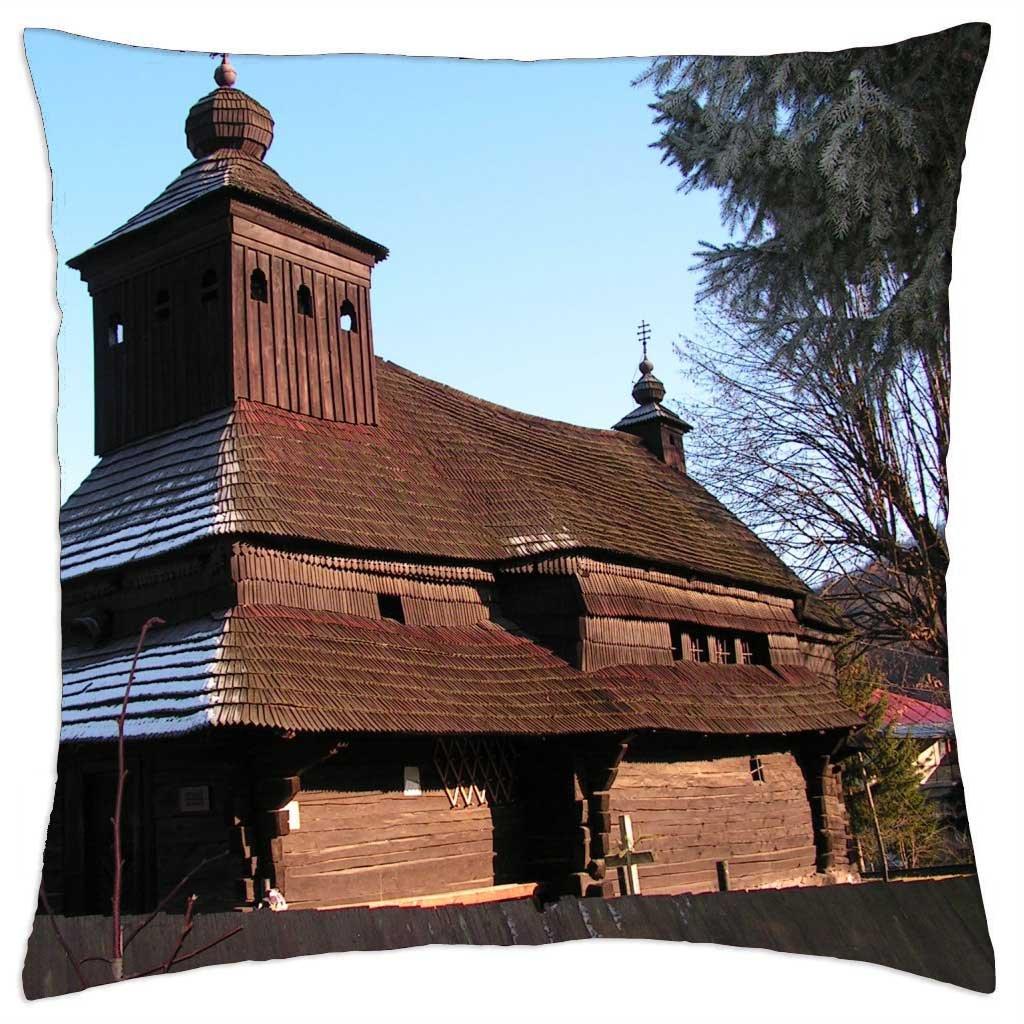 En la iglesia de madera Uliske Krive, Eslovaquia - Funda de ...