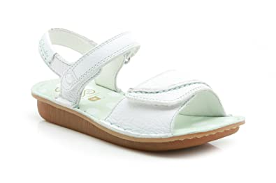 b02bff4b868a5 Clarks Girls Out-Of-School Home Girl Inf Leather Sandals In White ...