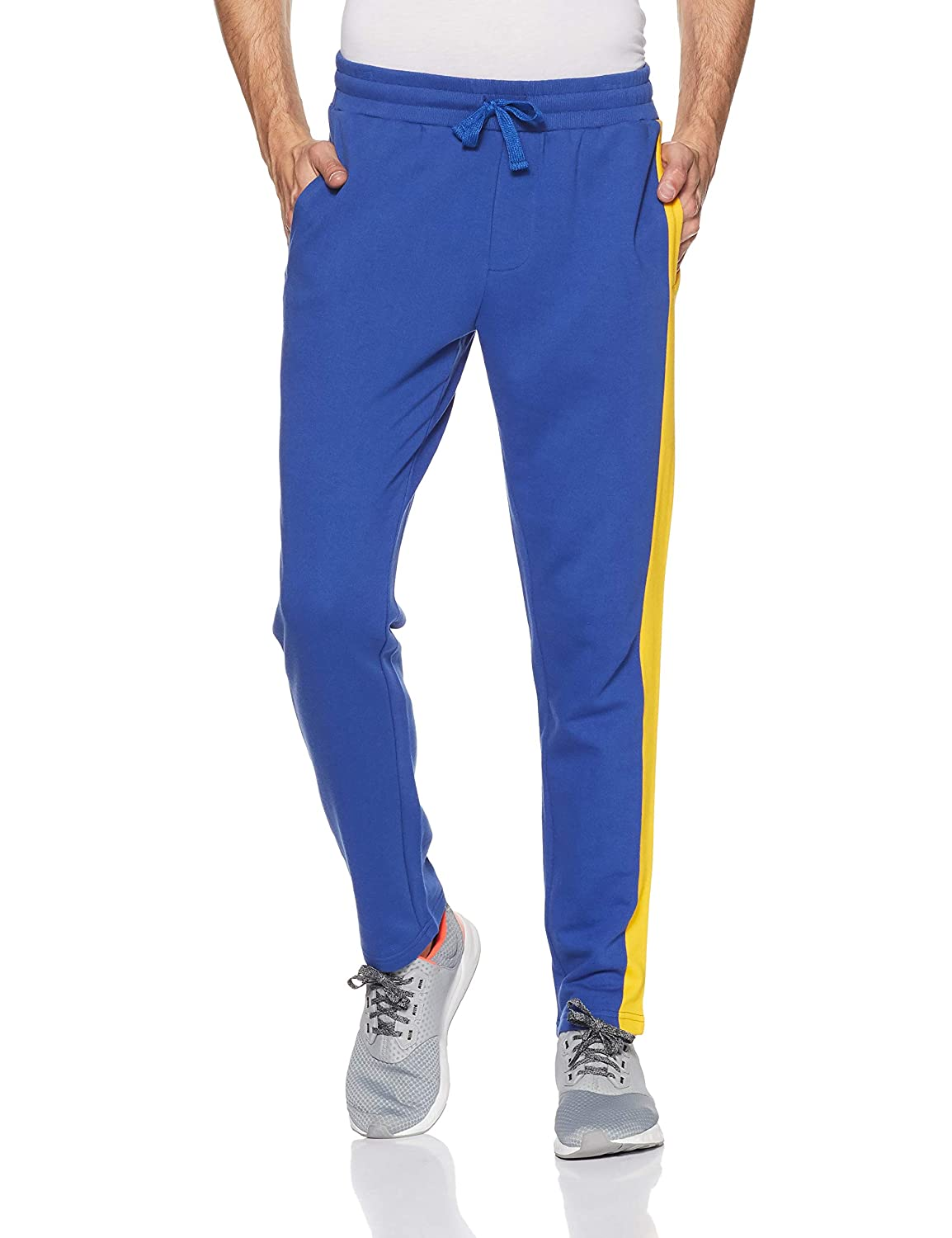 UCB Men's Relaxed Fit Joggers – size 34