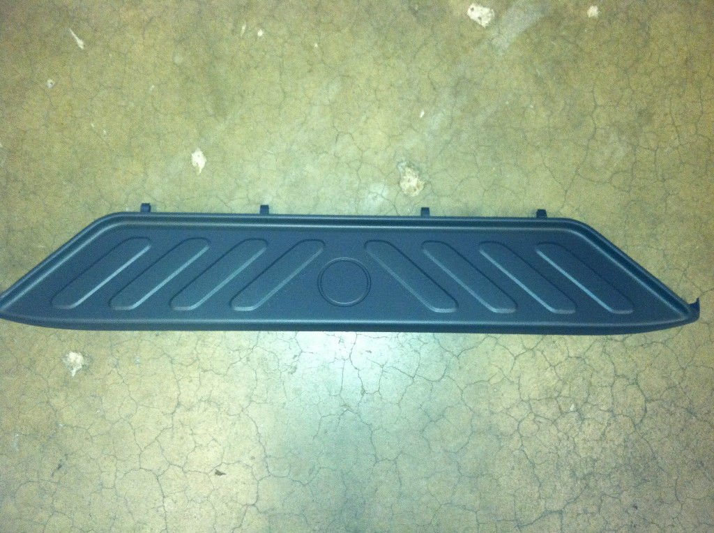 2005-2016 Nissan Frontier Rear Bumper Lower Step Cover Pad OEM NEW