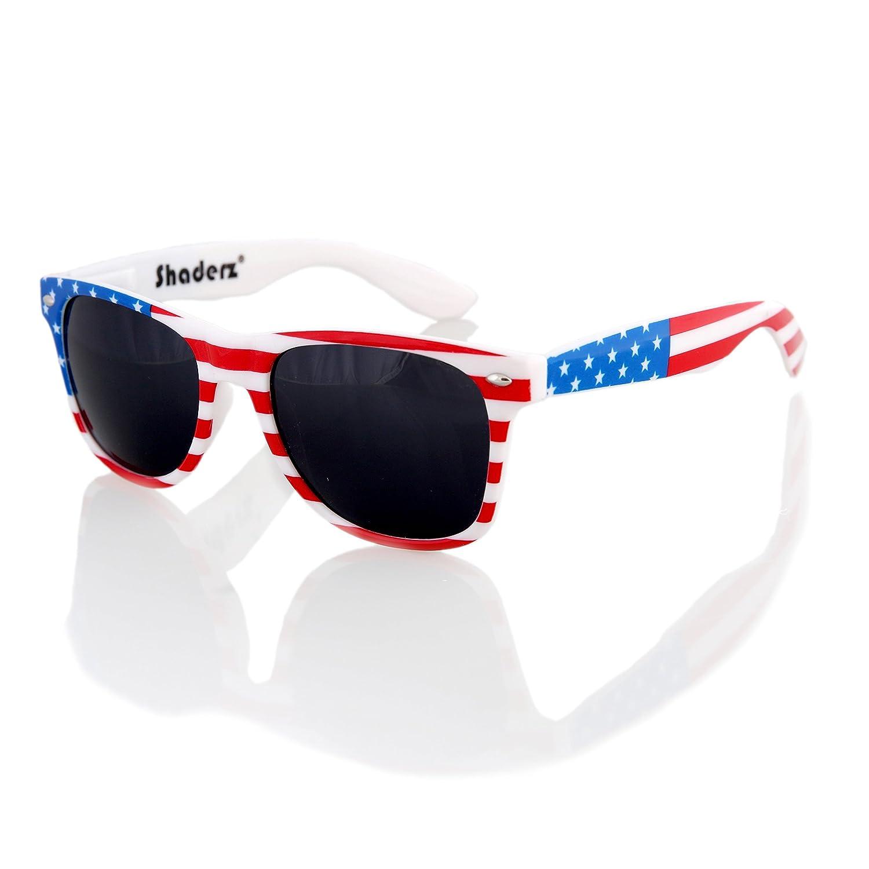 96257a10d082 Amazon.com  American USA Flag Retro 80 s Sunglasses Classic America  Patriotic Classic Sunglasses Eyewear by Shaderz Golden  Clothing