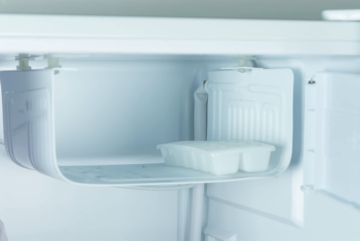 haier fridge parts. Amazon.com: Haier HC27SF22RW 2.7 Cubic Feet Refrigerator/Freezer, White: Appliances Fridge Parts