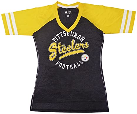 Amazon.com   Pittsburgh Steelers Women s V-Neck Fastball T-shirt ... 055099ad6