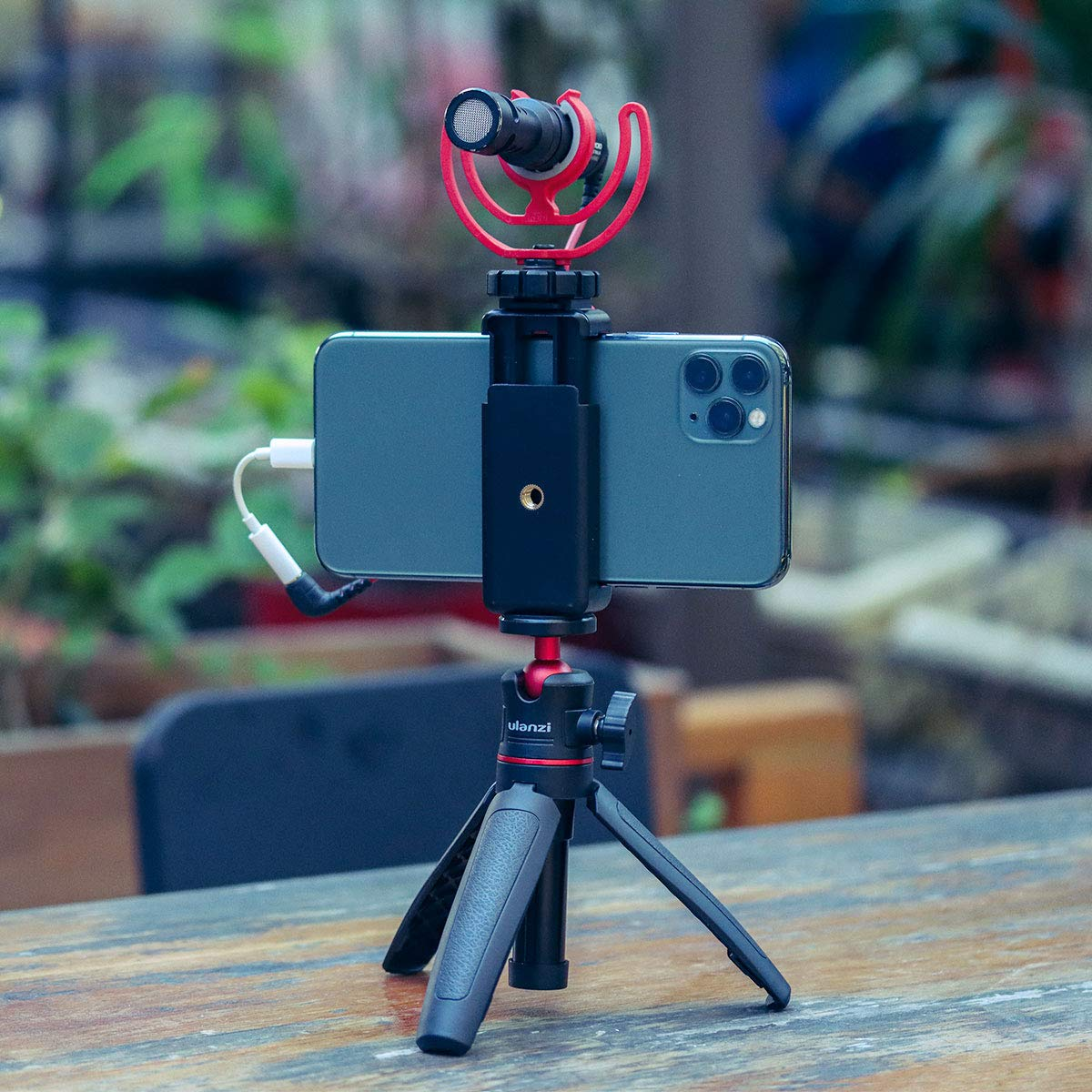 ULANZI MT-08 Extension Vlog Tripod Stand Handle Grip for iPhone 11 Pro Max Samsung Smartphone