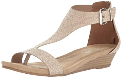 111e377871d Kenneth Cole REACTION Women s Great Gal T-Strap Wedge