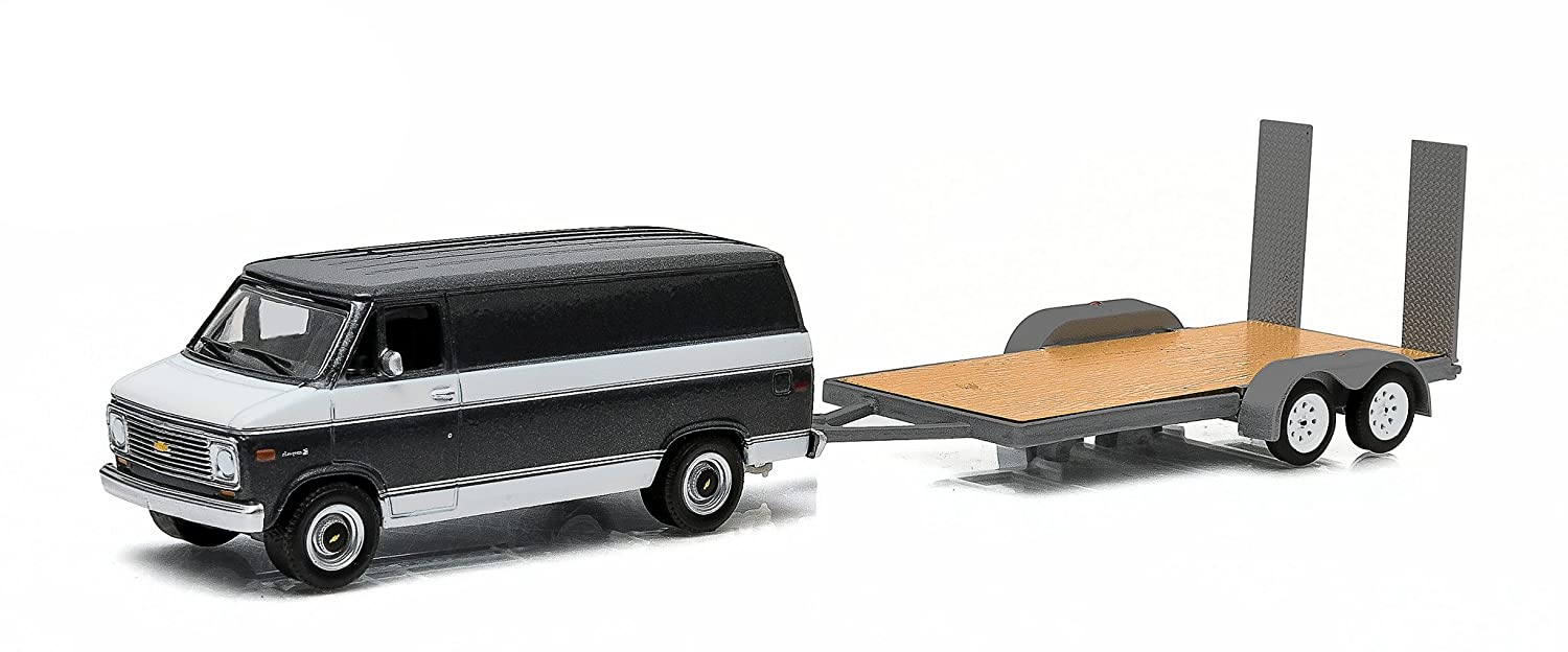 Greenlight Hitch Tow Series 1977 Chevy G 20 Van and Flatbed Trailer 1 64 Scale