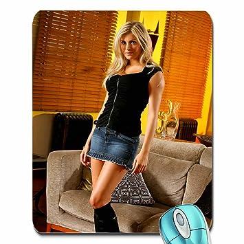 7382bbb5ccd70d personnes Bottes Blondes Femme Canapé jupes High Heels OT Magazine ...