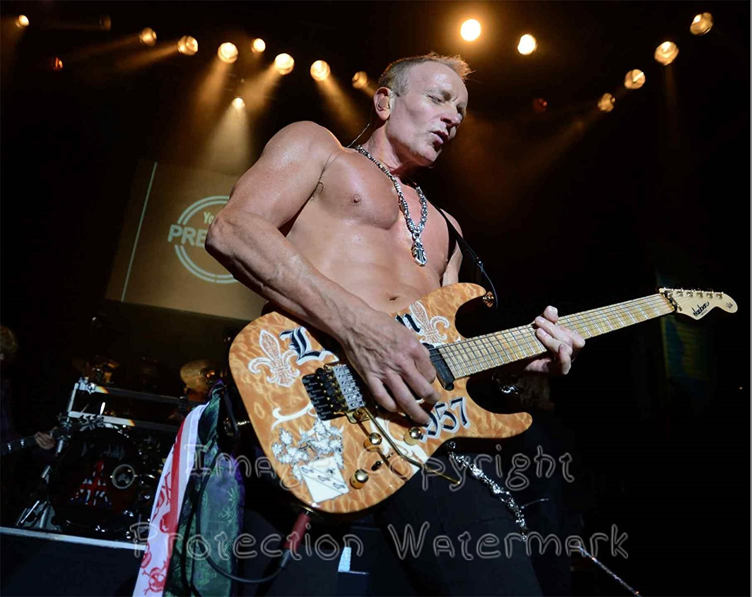 Phil Collen Def Leppard Live Shirtless 8x10 Photo