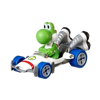 Hot Wheels GBG29 Mario Kart Yoshi, B-Dasher Vehicle, Multicolour: Toys & Games