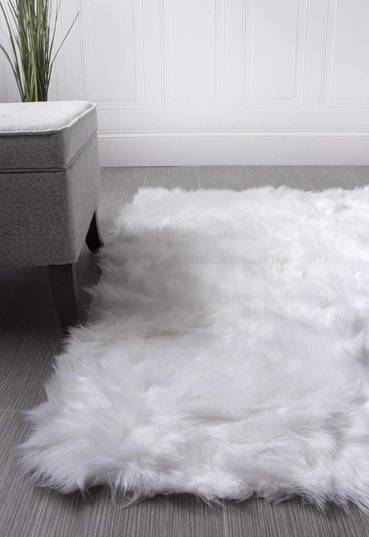 Súper alfombras de área Piel sintética suave Piel de oveja Flokati Shag Alfombra sedosa Alfombra de cuarto de niños para bebés en blanco, 5 'x 7'