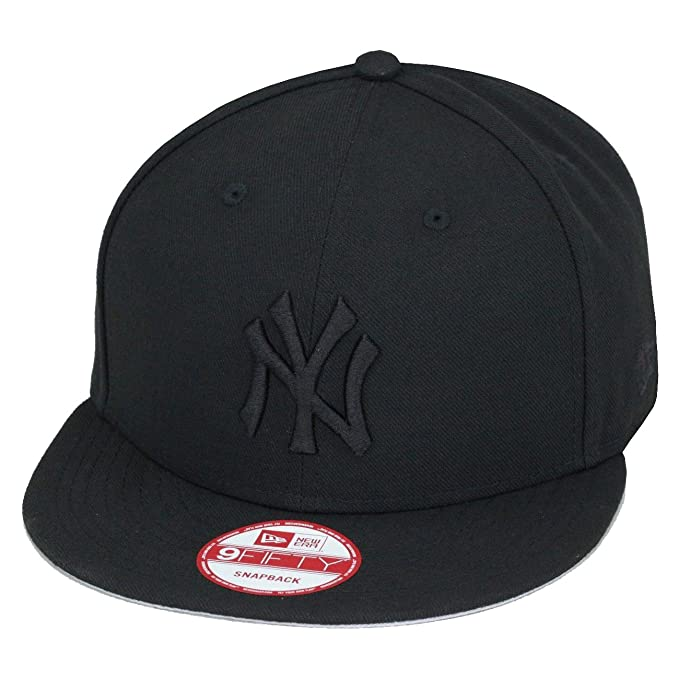 9ea449c0b9b Amazon.com   New Era 9fifty New York Yankees Baseball Snapback Hat Cap All  Black Black MLB   Clothing