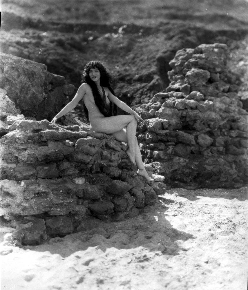 Ni Ni,Graham Chapman (1941?989) Adult images Jacqueline Pillon,Joanne Gilbert
