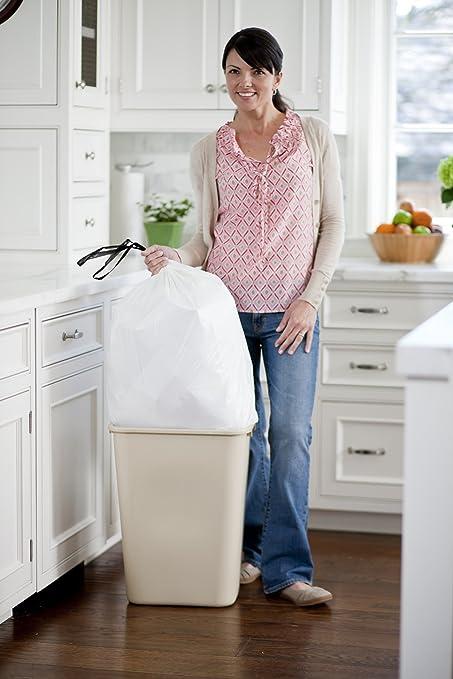 Controlling garbage bin odor