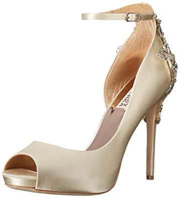 14c270b0fb6 Amazon.com  Badgley Mischka Women s Karson Pump  Shoes