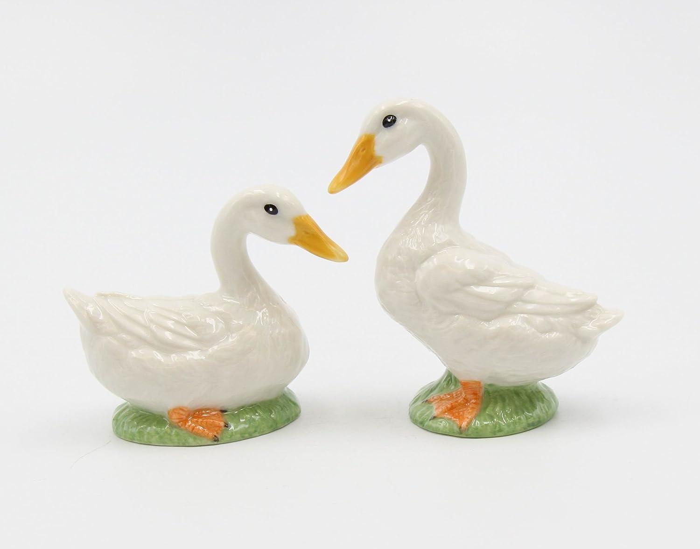 Fine Ceramic Country Goose Salt & Pepper Shakers Set, 3-3/8