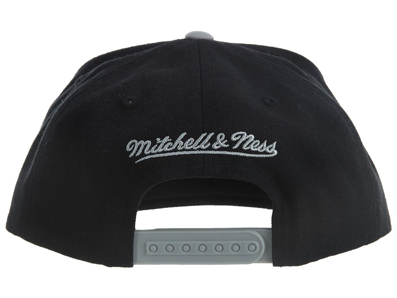 best website f0d3e 3caba Amazon.com  Mitchell And Ness Men s NBA Brooklyn Nets Cursive Script Logo  Snapback Cap  Clothing