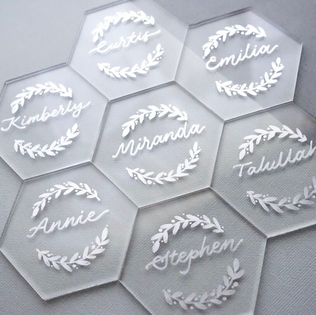 UNIQOOO 80 Clear Acrylic Escort Place Cards - Extra Thick Hexagon Shape - Perfect for Wedding, Dinner Parties, Table Numbers, Guest Name, Food Signs, Banquet Events, 3 1/8 x 2 3/4 inch