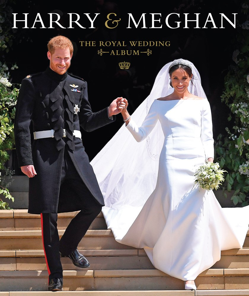 harry meghan the royal wedding album sadat halima 9781454932345 amazon com books harry meghan the royal wedding album