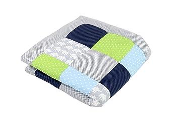 Alfombra para gatear de ULLENBOOM ® con elefantes azul verde (manta para bebé de 100 x 100 cm; ideal como colcha para el cochecito; apta como alfombra ...
