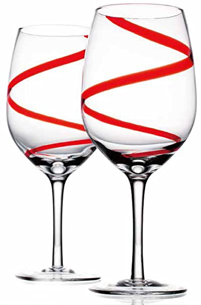 Christmas Tablescape Decor - A fabulous set of red swirl wine glasses for a Christmas or Valentine's Day table setting