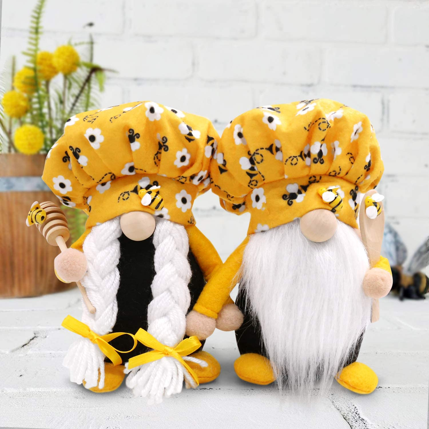 CiyvoLyeen Bumble Bee Chef Gnome Scandinavian Tomte Nisse Swedish Honey Bee Elf Home Farmhouse Kitchen Decor Bee Shelf Tiered Tray Decorations, Set of 2