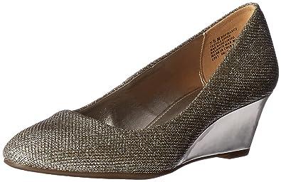 20459e33c69 Bandolino Women s Franci Wedge Pump  Amazon.ca  Shoes   Handbags