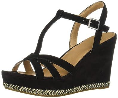 9da10c74711b Amazon.com  UGG Women s Melissa Wedge Sandal  Shoes