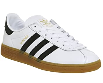 newest 88364 60bd0 adidas - Maglietta Munchen BB2778 Sneaker, Uomo, BB2778, WhiteBlack, Size  UK 10.5 Amazon.it Sport e tempo libero