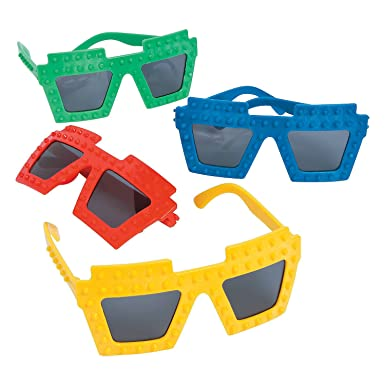 Amazon.com: Gafas de sol Fun Express Brick Party: Clothing
