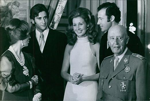 Vintage Foto de una foto muestra una familia de español Juego ...